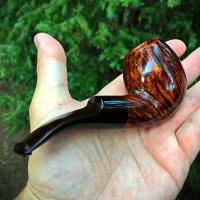 Handmade bent egg tobacco pipe with straight grain and cumberland stem