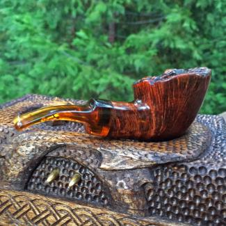 rustic plateau top tobacco pipe