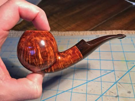 Freehand Egg Tobacco with beautiful grain and cumberland stem