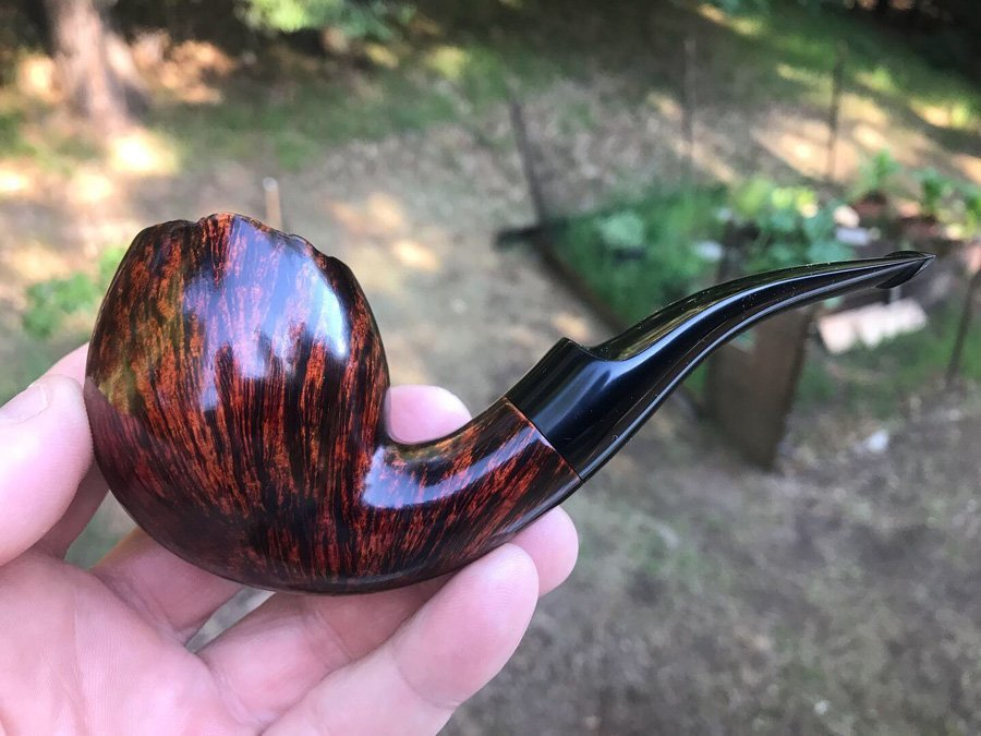 bent egg tobacco pipe by Kraig Sederquist
